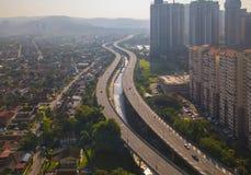 Widok z lotu ptaka Kuala Lumpur śródmieście, Malezja i autostrady drogowi, Pieniężny okręg i centrum biznesu w mądrze miastowym m obraz stock