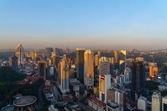 Widok z lotu ptaka Kuala Lumpur śródmieście, Malezja Pieniężny okręg i centra biznesu w mądrze miastowym mieście w Azja drapacz c obraz royalty free