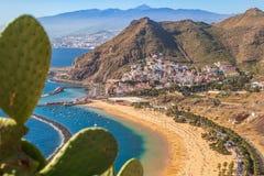 Widok z lotu ptaka Lasu Teresitas plaża w Tenerife, Hiszpania fotografia stock