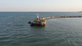 Widok Z Lotu Ptaka latarni morskiej pozycja na falochron budowie zbiory