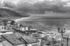 Widok z lotu ptaka linia brzegowa w Calabria, Włochy Obrazy Stock