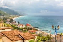 Widok z lotu ptaka linia brzegowa w Calabria, Włochy Zdjęcie Royalty Free