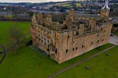 Widok z lotu ptaka Linlithgow kasztelu ruiny miejsce narodzin Maryjna królowa Scots w Zachodnim Lothian, Szkocja zdjęcie royalty free