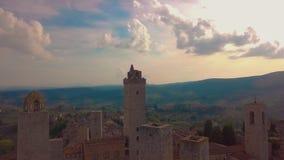 widok z lotu ptaka Lot nad mediaeval miasteczkiem grzywna Góruje, San Gimignano, Tuscany, Włochy zbiory