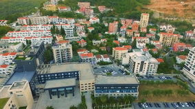 Widok z lotu ptaka miasteczko Budva zbiory wideo