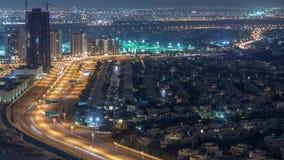 Widok z lotu ptaka mieszkanie wille w Dubaj miasta nocy timelapse i domy, Zjednoczone Emiraty Arabskie zdjęcie wideo