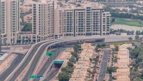 Widok z lotu ptaka mieszkanie wille w Dubaj miasta timelapse i domy, Zjednoczone Emiraty Arabskie zdjęcie wideo