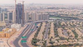Widok z lotu ptaka mieszkanie wille w Dubaj miasta timelapse i domy, Zjednoczone Emiraty Arabskie zbiory wideo