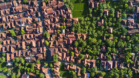 Widok z lotu ptaka mieszkaniowy dom z drzewem Fotografia Stock
