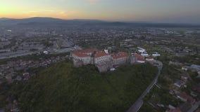 Widok z lotu ptaka Mukachevo kasztelu Palanok średniowieczny forteca w zachodnim Ukraina zbiory