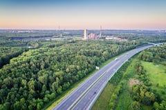 Widok z lotu ptaka na A4 autostradzie przez Silesia i kopalni węgla Fotografia Royalty Free