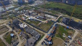 Widok z lotu ptaka na budowa budynku Budowa pracownicy, antena, Odgórny widok Zasięrzutny widok budowa Zdjęcie Stock
