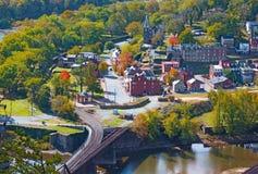 Widok z lotu ptaka na historycznym harfiarza promu miasteczku od wysokiego punktu przegapia, Zachodnia Virginia, usa zdjęcie stock