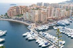 Widok Z Lotu Ptaka na Monaco schronieniu z Luksusowymi jachtami Obrazy Royalty Free