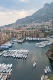 Widok Z Lotu Ptaka na Monaco schronieniu z Luksusowymi jachtami Zdjęcia Stock