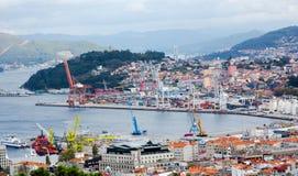 Widok z lotu ptaka na Vigo ładunku porcie morskim w słonecznym dniu Zdjęcie Stock