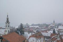 Widok z lotu ptaka na Zemun w Belgrade, Serbia z dachami, śniegiem i ch, Obraz Stock