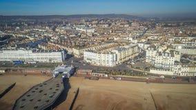 Widok z lotu ptaka nad miastem Eastbourne w Anglia zdjęcie stock
