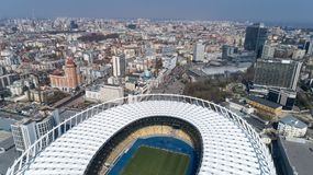 Widok z lotu ptaka nad Olimpijski stadium w Kijów Kyiv biznes i przemysłu miasta krajobraz fotografia royalty free