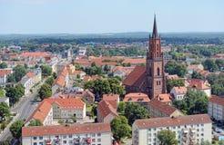 Widok z lotu ptaka nad pejzażem miejskim Rathenow z swój Havel rzeką i Fotografia Stock