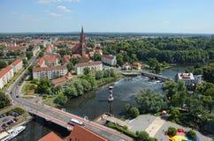 Widok z lotu ptaka nad pejzażem miejskim Rathenow z swój Havel rzeką i Zdjęcie Royalty Free