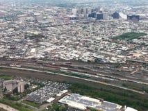 Widok Z Lotu Ptaka Newark, Nowy - dżersejowi linii horyzontu i linii kolejowej jardy Obrazy Royalty Free