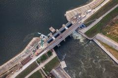 Widok z lotu ptaka Nysa miasteczka wody tama w Polska Obrazy Royalty Free