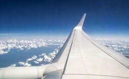 Widok z lotu ptaka obłoczny niebieskie niebo Obrazy Stock