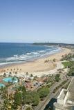 Widok z lotu ptaka ocean indyjski, molo w grodzkim centrum Durban, biały piaskowatych plaż, basenu i oceanu, Południowa Afryka Obraz Royalty Free