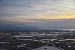 Widok z lotu ptaka od samolotu antylopy wyspa przy zmierzchem, widok od magnum?w, og?lny cloudscape przy wsch?d s?o?ca z Wielkim  zdjęcia royalty free