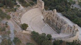 Widok z lotu ptaka Odeon Herodes Atticus i akropol Ateny antyczna cytadela w Grecja zdjęcie wideo