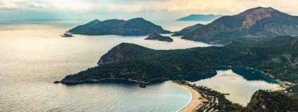 Widok z lotu ptaka Oludeniz plaża, Fethiye okręg, Turcja Turkusu wybrzeże południowo-zachodni Turcja Błękitna laguna na Lycian sp zdjęcie stock