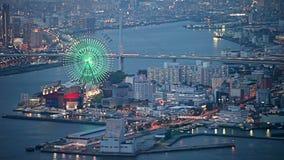 Widok z lotu ptaka Osaka miasto w zmierzchu, Japonia zdjęcie wideo