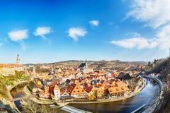 Widok z lotu ptaka panorama stary miasteczko Cesky Krumlov w Południowej cyganerii, republika czech z niebieskim niebem UNESCO św zdjęcie royalty free