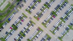 Widok z lotu ptaka parking z samochodami Fotografia Royalty Free