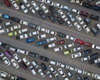 Widok z lotu ptaka parkujący samochody zdjęcia royalty free