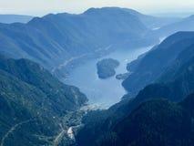 Widok z lotu ptaka pasmo górskie i jezioro w Vancouver, kolumbiowie brytyjska, Kanada Fotografia Stock