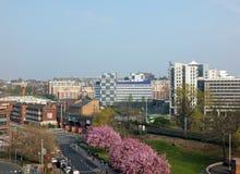 widok z lotu ptaka patrzeje wzdłuż York drogi z saxton Leeds uprawia ogródek extate przez linie kolejowe obraz royalty free