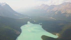 Widok z lotu ptaka Peyto jezioro, Banff park narodowy, Kanada zbiory wideo