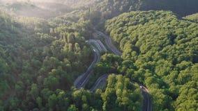 Widok z lotu ptaka piękna halna droga zdjęcie wideo