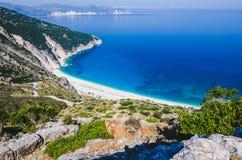 Widok Z Lotu Ptaka piękna Myrtos zatoka, plaża na Kefalonia wyspie i, Grecja Obraz Stock