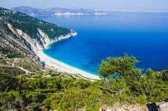 Widok Z Lotu Ptaka piękna Myrtos zatoka, plaża na Kefalonia wyspie i, Grecja Zdjęcia Stock