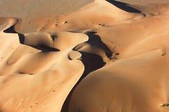 Widok z lotu ptaka piasek diuny przy pocierania Al Khali fotografia stock