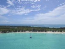 Widok z lotu ptaka piaskowaci palec u nogi wyspy, Bahamas Wyrzucać na brzeg Obraz Royalty Free