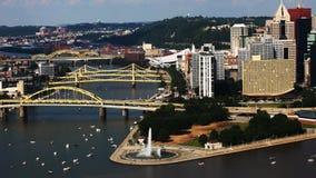 Widok z lotu ptaka Pittsburgh, Pennsylwania centrum miasta zdjęcie stock