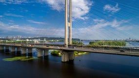 Widok z lotu ptaka Południowy most Widok z lotu ptaka Południowego metra kablowy most Kijów, Ukraina Zdjęcia Stock