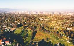 Widok z lotu ptaka pola golfowego klub poza miastem w losie angeles fotografia stock