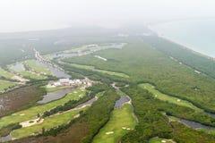 Widok z lotu ptaka pole golfowe blisko Cancun, Mexi fotografia stock