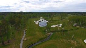 Widok z lotu ptaka pole golfowe, stawy i zieleń gazony pole golfowe, Piasków bunkiery przy pięknym polem golfowym Obraz Stock