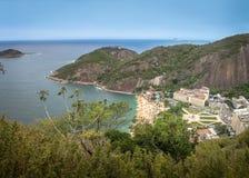 Widok z lotu ptaka Praia Vermelha plaża od Urca góry - Rio De Janeiro, Brazylia obrazy royalty free